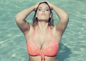 fine-bauer-curvy-model-fashion-swimwear-luise-reichert-9